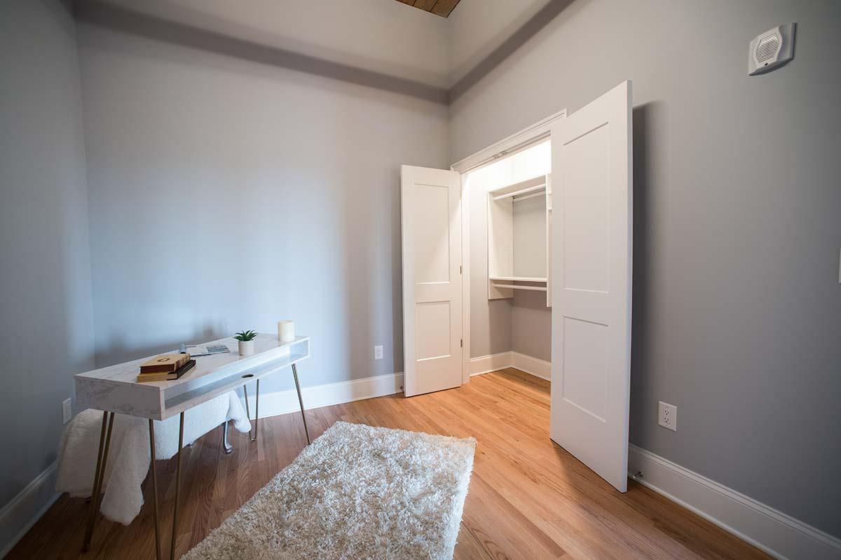 Apartment 501 Den Closet